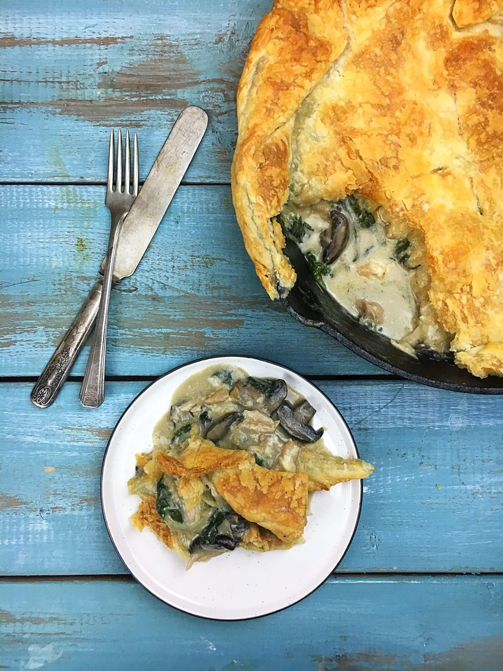 One-Skillet Chicken Spinach Mushroom Pot Pie